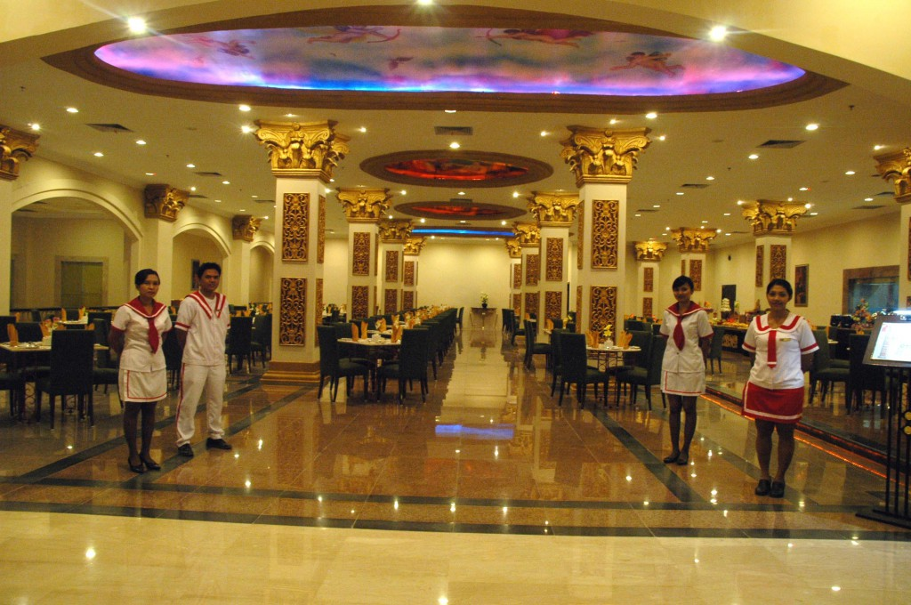 Restaurant S Pacific Palace Hotel